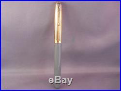 Parker Vintage 51 Gray Gold Cap Fountain Pen works-fine point