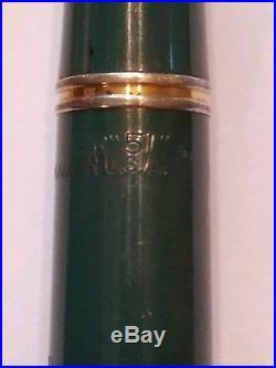 VINTAGE 1943 PARKER 51 VACUMATIC FOUNTAIN PEN RARE NASSAU GREEN With14K GF CAP