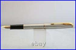 Vintage (2000) Parker Sonnet Flighter DeLuxe Stub Fountain Pen, GT