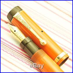 Vintage PARKER DUOFOLD Lucky Curve Red Lacquer Gold Trim Flat-top Fountain Pen