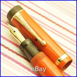 Vintage PARKER DUOFOLD Red Lacquer Gold Trim Flat-top Button-fil Fountain Pen