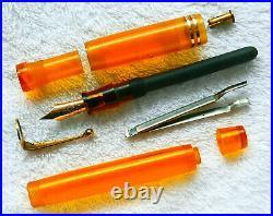 Vintage Paeker Duofold Demonstrator Fountain Pen