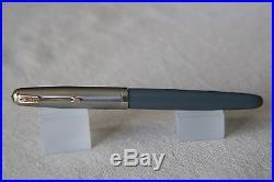 Vintage Parker 51 vacumatic fountain pen grey with blue diamond clip