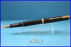 Vintage Parker Premier Noir, Black Turned Cast Acrylic Medium Fountain Pen